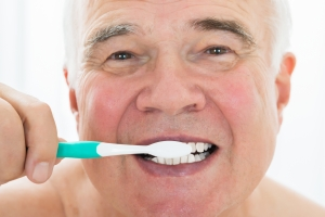 10 nieświadomych błędów, jakie popełniamy myjąc zęby [Fot. Andrey Popov - Fotolia.com]
