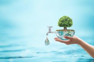 10 sposobów na oszczędzanie wody w domu [Fot. Chinnapong - Fotolia.com]