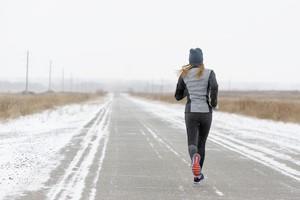 10 zasad biegania zimą  [Bieganie, © LMproduction - Fotolia.com]