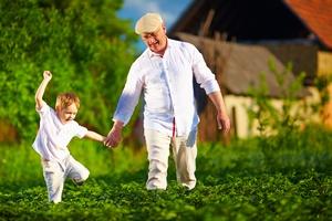 2 minuty spaceru co godzinę zmniejszają ryzyko przedwczesnej śmierci [© Olesia Bilkei - Fotolia.com]