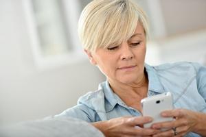 23 lata, 160 znaków, ponad 17 miliardów wiadomości dziennie. SMS obchodzi urodziny [© goodluz - Fotolia.com]
