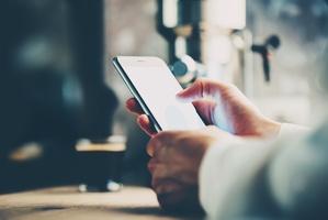 5 zaskakuj�cych k�opot�w, kt�re mo�e sprawi� telefon kom�rkowy [© kantver - Fotolia.com]