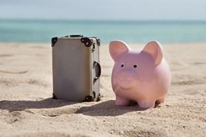 6 sposob�w na oszcz�dzenie pieni�dzy podczas wakacyjnych podr�y [©  Andrey Popov - Fotolia.com]