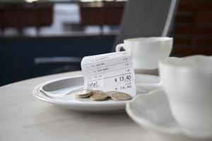 6 zasad tanich wakacji. Jak mniej płacić za granicą? [Fot. macgyverhh - Fotolia.com]
