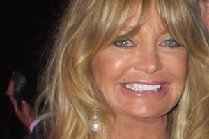 67-letnia Goldie Hawn zachwyca figurą [Goldie Hawn, fot. Nadja Amireh, CC BY-SA 2.0, WIkimedia Commons]