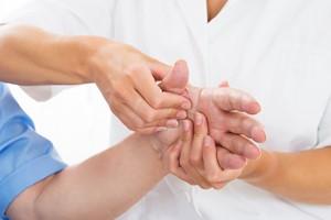 8 objawów chorób które można wyczytać z rąk [© Andrey Popov - Fotolia.com]