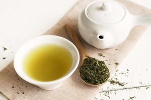 8 sposobów, jak wykorzystać zieloną herbatę jako kosmetyk  [Fot. Kittiphan - Fotolia.com]