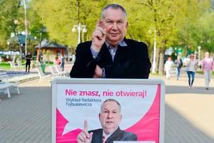 """""""Nie znasz, nie otwieraj!"""" - cykl spotka� dla senior�w z Micha�em Fajbusiewiczem [fot. Nie znasz nie otwieraj]"""