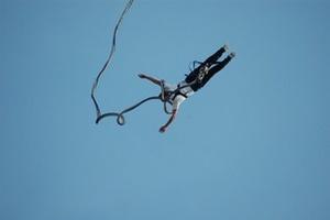 95-latka skoczyła na bungee  [© volkerladwig - Fotolia.com]
