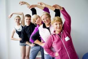Aktywność fizyczna w średnim wieku chroni przed rakiem na starość [Fot. Nichizhenova Elena - Fotolia.com]