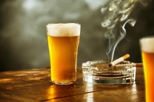 Alkohol i papierosy - największe zagrożenia dla zdrowia w rozwiniętym świecie [Fot.exclusive-design - Fotolia.com]