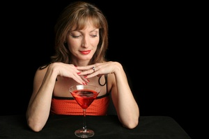 Alkohol (nawet w umiarkowanych ilościach) sprzyja nowotworowi piersi [© Lisa F. Young - Fotolia.com]