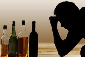 Alkohol: niebezpieczny sposób na odreagowanie  [© BillionPhotos.com - Fotolia.com]