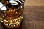 Alkohol osłabia mechanizmy obronne organizmu [© Peter Högström - Fotolia.com]
