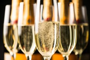 Alkohol - pij z rozsądkiem. Rady na Sylwestra i karnawał [© Eric Hood - Fotolia.com]