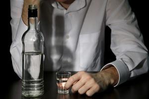 Alkoholowy problem Polaków [© Africa Studio - Fotolia.com]