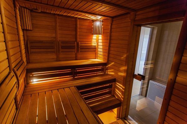 Alzheimer - mężczyźni mają niższe ryzyko choroby, gdy korzystają z sauny [fot. ateryna Petrova z Pixabay]