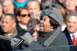 Aretha Franklin śpiewa Adele [Aretha Franklin, fot. Cecilio Ricardo, U.S. Air Force, PD]
