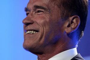 Arnold Schwarzenegger zakochany? [Arnold Schwarzenegger fot. russavia, CC BY-SA 2.0, Wikimedia Commons]