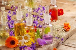 Aromaterapia: Olejki na lato [© Floydine - Fotolia.com]