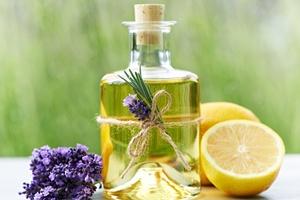 Aromaterapia dla zdrowia i dla przyjemności [© Hetizia - Fotolia.com]