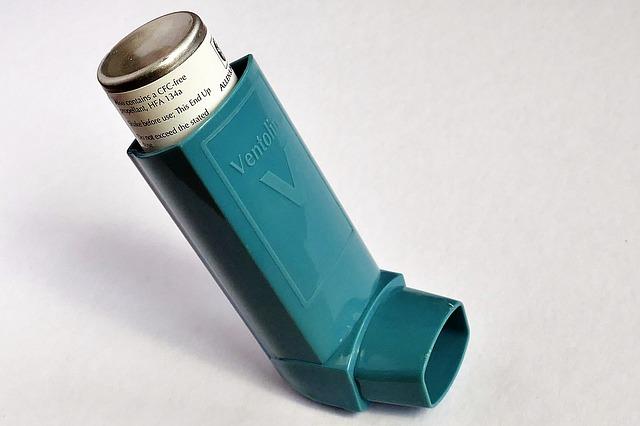 Astma zwiększa ryzyko zachorowania na grypę i wywołać mutację wirusa [fot. InspiredImages from Pixabay]