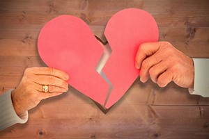 Baby boomers się rozwodzą częściej niż młodsi Amerykanie [© vectorfusionart - Fotolia.com]