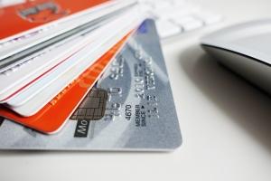 Banki: karty za zero złotych niekoniecznie bezpłatne. Interweniował UOKiK [Fot. adrian_ilie825 - Fotolia.com]