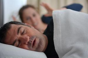 Bezdech senny oznacza wyższe ryzyko dny moczanowej [Fot. Rafael Ben-Ari - Fotolia.com]