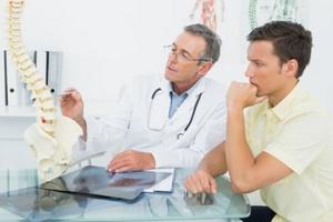 Bezinwazyjna chirurgia kręgosłupa: leczenie dyskopatii na miarę XXI wieku [Fotolia.com]