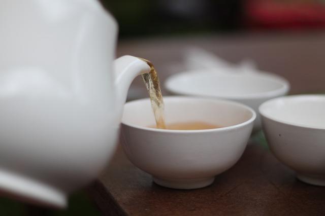 Biała herbata dodaje zdrowia i młodego wyglądu [fot. bohed from Pixabay]