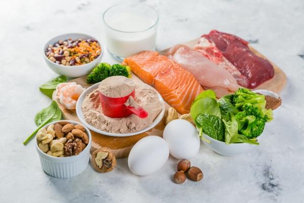 Białko - ile go potrzeba, by zdrowo się starzeć? [Fot. anaumenko - Fotolia.com]