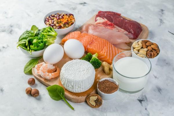 Białko w diecie - pozwala dłużej cieszyć się zdrowiem i pełną sprawnością [Fot. anaumenko - Fotolia.com]