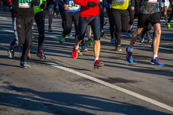Bieganie w maratonach powstrzymuje starzenie się [fot.  Th G z Pixabay]