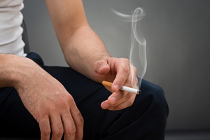 Bierne palenie przysporzy ci choroby p�uc [©  Andrey Popov - Fotolia.com]
