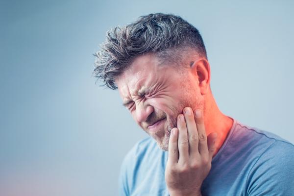 Ból zęba - jego rodzaje i przyczyny [Fot. Aleksej - Fotolia.com]