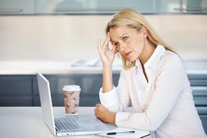 Bóle głowy. Warto zapytać lekarza [© Yuri Arcurs - Fotolia.com]