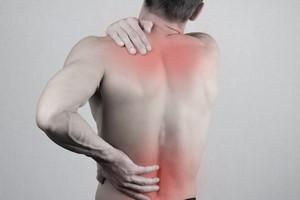 Bóle pleców i szyi oznaczają wieksze ryzyko przedwczesnej śmierci [© glisic_albina - Fotolia.com]