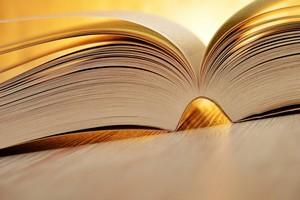 By osłabić stres, sięgnij po... książkę [© monticellllo - Fotolia.com]