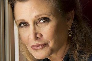 """Carrie Fisher nie pojawi się w kolejnych """"Gwiezdnych wojnach"""" [Carrie Fisher, fot. Riccardo Ghilardi photographer, CC BY-SA 3.0, Wikimedia Commons]"""