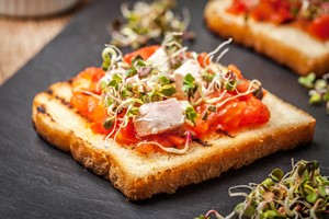 Chcesz lepiej pamiętać? Jedz mniej [© arfo - Fotolia.com]