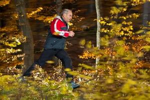 Chcesz lepiej spalać kalorie? Modyfikuj intensywność biegu lub spaceru [© Stefan Schurr - Fotolia.com]