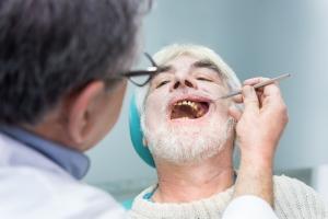 Chcesz mieć zdrowe zęby? Wprowadź do diety  6 nietypowych  elementów [Fot. denisfilm - Fotolia.com]