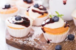 Chcesz trzymać się diety? Unikaj pokus [© StefanieB. - Fotolia.com]