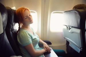 Chcesz uniknąć infekcji w samolocie? Wybierz siedzenie przy oknie [Fot. bakharev - Fotolia.com]