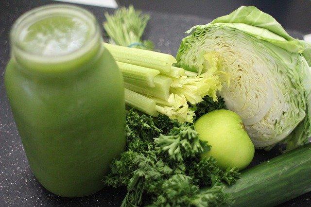 Chcesz zachować siłę mięśni? Potrzebne ci są zielone warzywa liściaste [fot. Rohtopia from Pixabay]