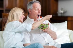 Chcesz, żeby twój mąż schudł? Sama zastosuj dietę  [Fot. Minerva Studio - Fotolia.com]