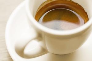 Chcesz żyć długo - pij cztery filiżanki kawy dziennie [Fot. Nitiphol - Fotolia.com]