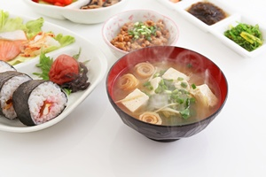 Chcesz żyć dłużej? Zapewni ci to japońska dieta [© suna - Fotolia.com]