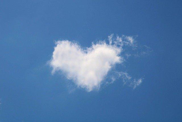 Chemia zakochania. Co się dzieje z organizmem, gdy odczuwa się miłość [fot. Kranich17 from Pixabay]